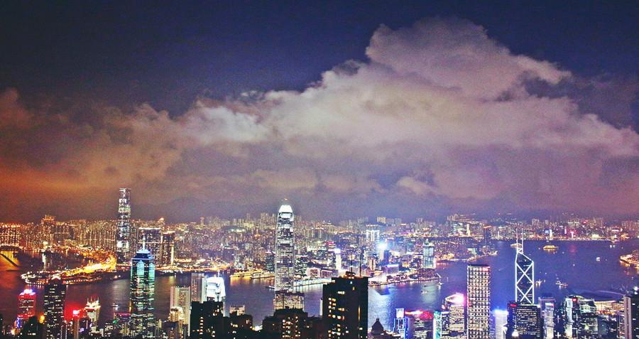 香港中環景點 | 太平山山頂纜車 凌霄閣摩天台428 香港夜景 香港杜莎夫人蠟像館 情侶約會 賞景 香港旅行必遊景點之一