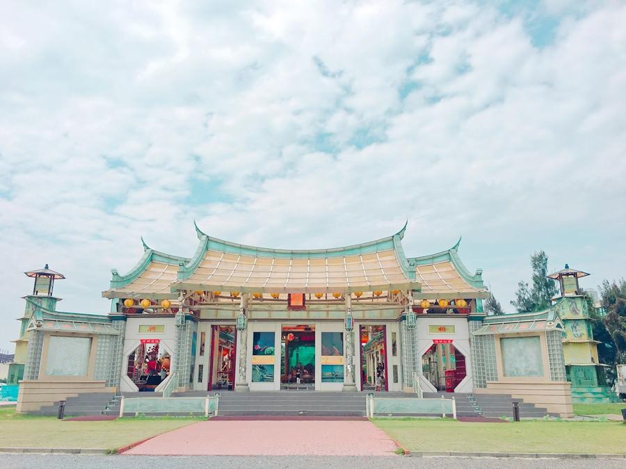 彰化鹿港景點 | 玻璃媽祖廟 台灣護聖宮 臺灣玻璃館 免費參觀 一個提供台灣本土藝術家免費展覽的場域