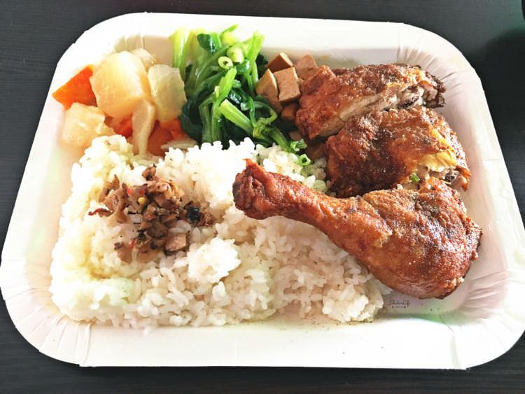 台中西區美食 | 豐原肉排 排骨麵 肉排飯 向上市場午餐 均一價90元便當 單點只要55元 10道主菜自由挑