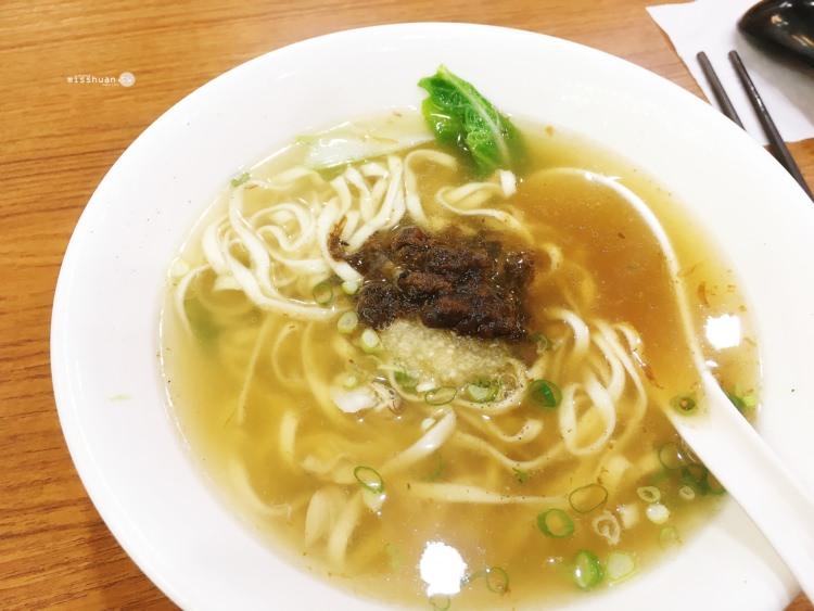 台中西區美食 大慶麵店 自助式小菜 想吃什麼自己夾 飯麵湯樣樣有 電視冷氣好享受 太原店 明智街美食