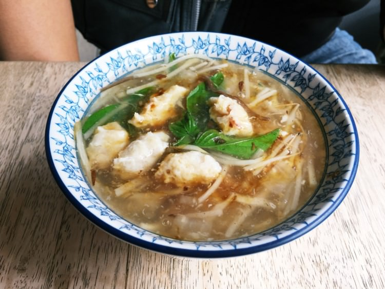 台中南屯美食 麗美魷魚羹 簡單懷念的台灣小吃 肉羹 麵攤 小菜 大墩路 大業路 午餐晚餐的好朋友