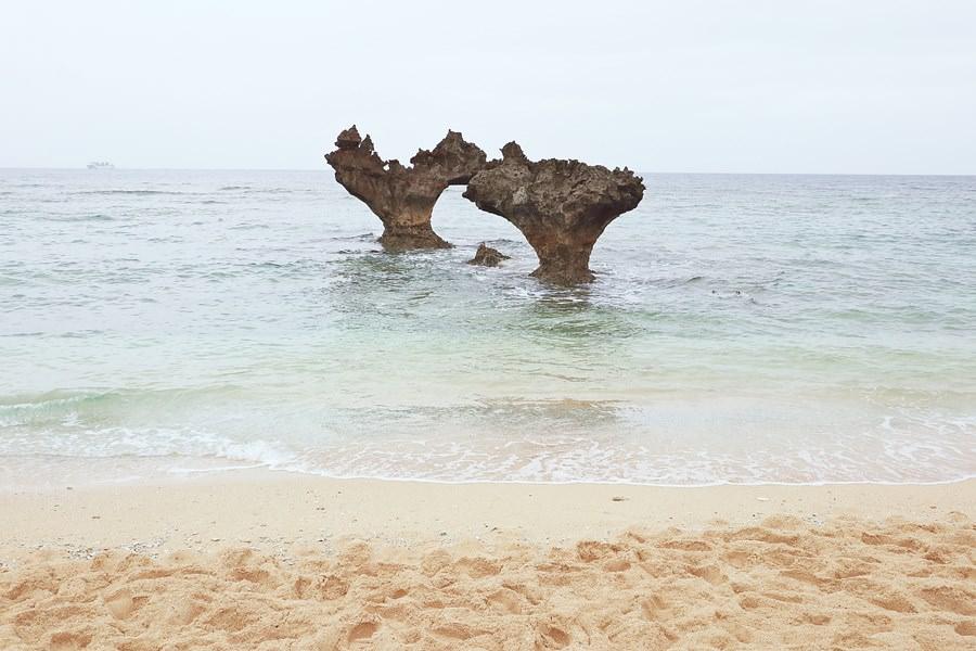 沖繩景點 古宇利島 心形岩 ハート岩 恋守寺社 心型礁岩 心形石 停車場超多