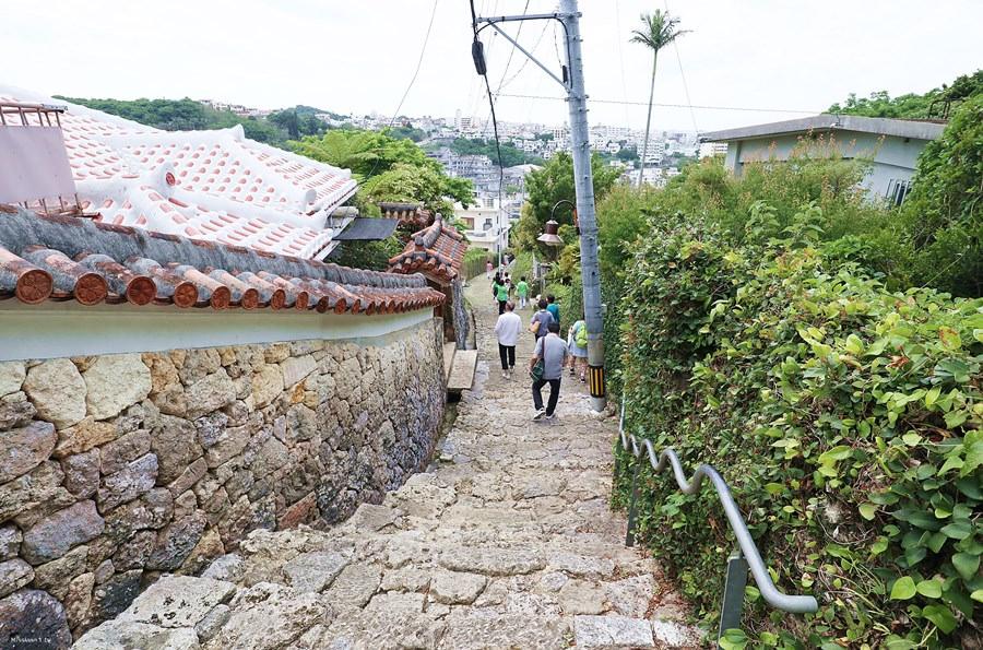 沖繩那霸景點 首里金城町石疊道 沖繩指定史蹟 琉球石灰岩鋪疊而成的石疊道 日本百選道路之一