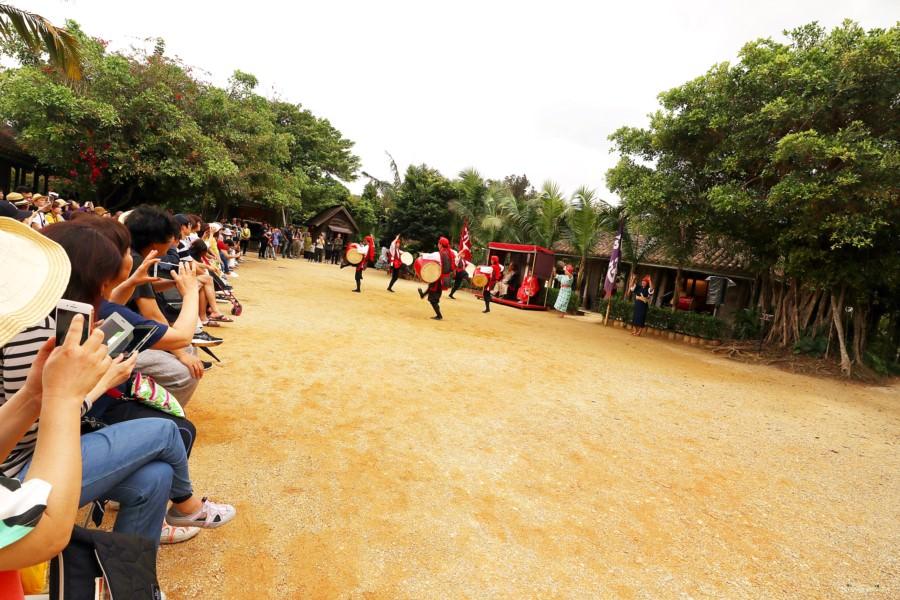 沖繩恩納景點 琉球村 RYUKYU MURA 體驗當地文化 藝術 美食 表演 DIY 親子同遊 老少咸宜 免費停車場
