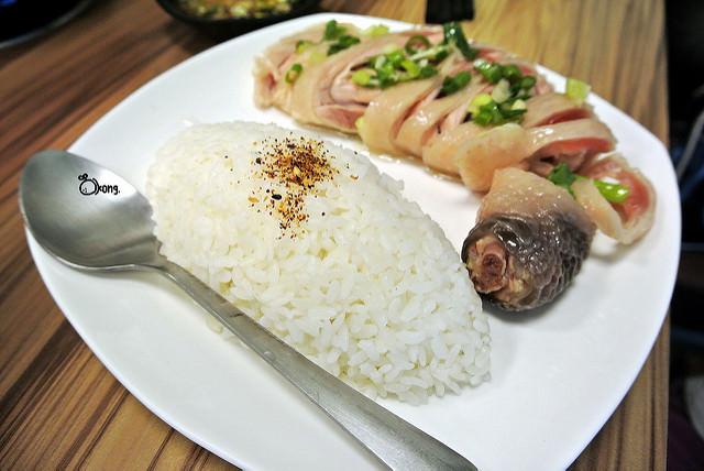 捷運土城站美食 | 鍋靚石頭火鍋 好冷怎麼辦 卜派吃波菜 你可以來吃麻辣鍋 暖和身子靠這味