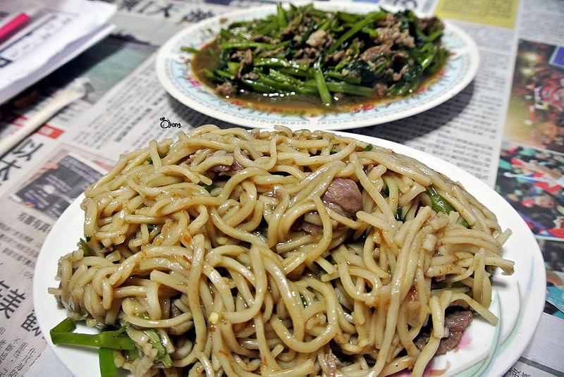 捷運圓山站美食 | 大龍街 田 沙茶羊肉 大龍夜市必吃 從小吃到大的推薦好滋味